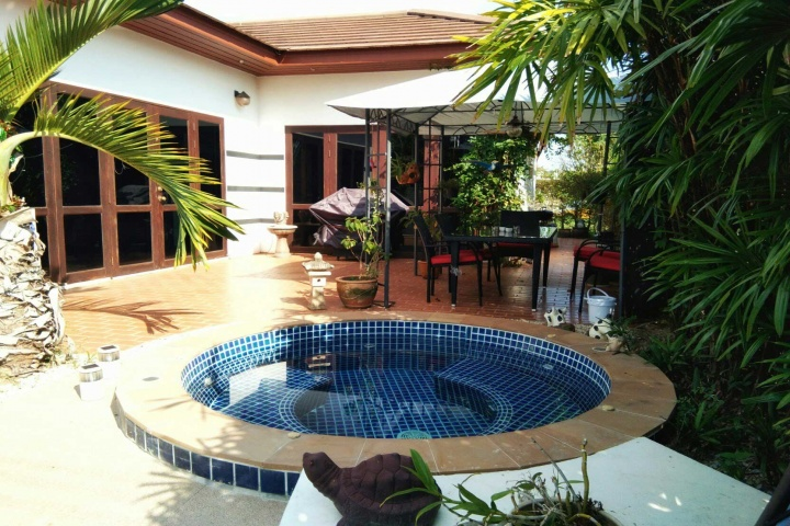 Tropicana villa near the sea (Monthly rental)